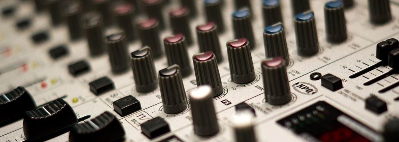 44 let hudebního průmyslu: Jak se měnily hudební výdělky napříč dobou a kolik si dnes vydělávají oblíbení interpreti?