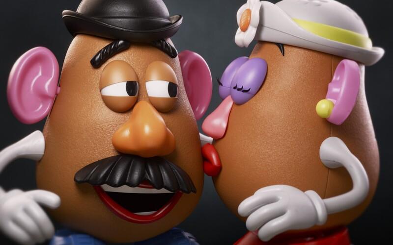 Pán Krumplihlava bude po novom rodovo neutrálna hračka. Hasbro nechce výrobkom určovať mužský či ženský rod.