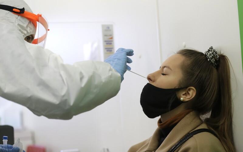 V těchto krajích Česka identifikovali britskou mutaci koronaviru.