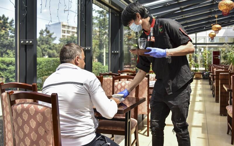 Prymula: Pro hosty v hospodách a restauracích bude povinná registrace.