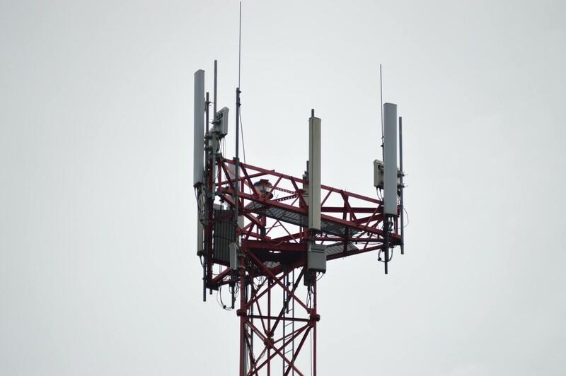 Koľkonásobne vyššie rýchlosti dnes môžeme dosiahnuť v mobilnej sieti v porovnaní s rokom 2000?