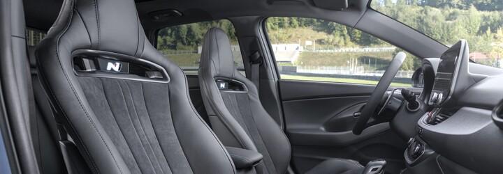 Nové i30 N je napokon výkonnejšie a rýchlejšie. Má odľahčené disky, sedadlá a 8-stupňový automat