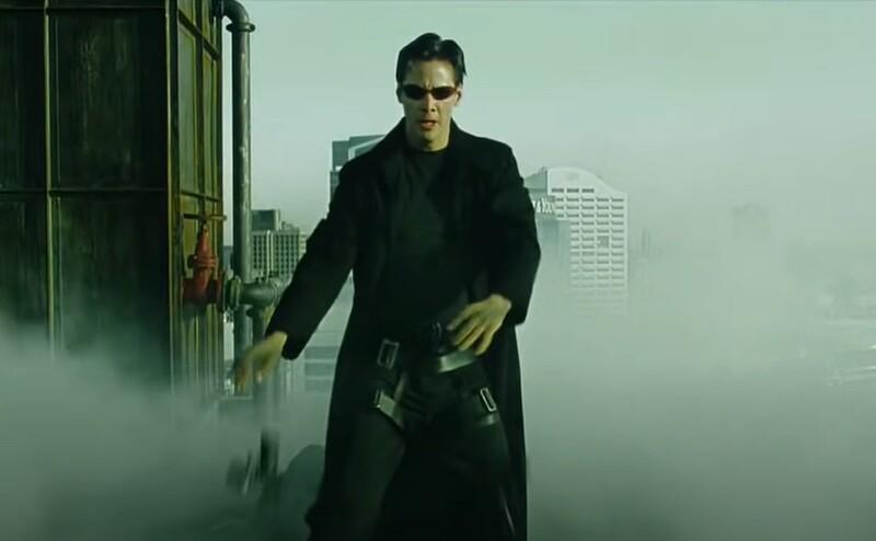 Ku koncu prvej časti na Nea vytiahne jeden z agentov zbraň a začne strieľať. Čo predtým zakričí hlavný hrdina?