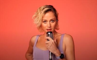Emma Drobná neodíde, kým nedostane to, po čom túži. Speváčka sa v novinke spojila so známym českým raperom.