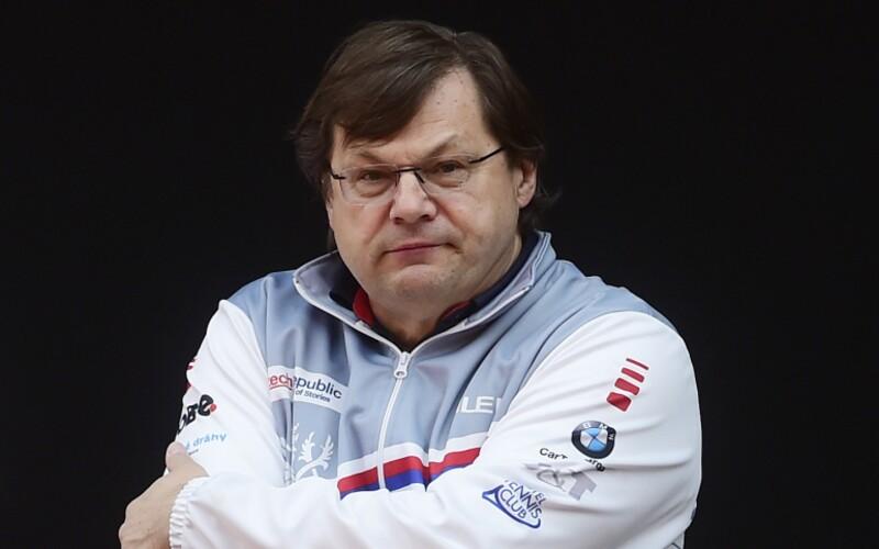 Lékař, který byl prvním pozitivním členem olympijského týmu, promluvil. Odmítá, že se sportovci nakazili od něj.