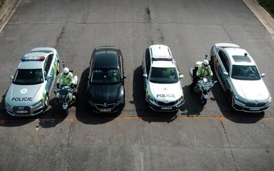 Česká policie změřila sílu svého vozového parku. Které policejní auto je nejrychlejší?