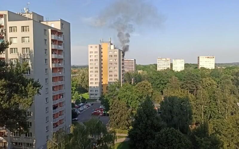 Požár v Bohumíně zřejmě způsobil úmyslně jeden ze sousedů. Dveře rodiny měl polít benzínem.