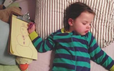 4-ročná Riley namiesto uspávaniek na dobrú noc kreslí