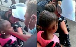 5-ročné dievčatko sa malo policajta so slzami v očiach spýtať, či ju zastrelí. Ten sa však zachoval najlepšie, ako mohol