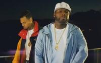 50 Cent a Chris Brown sa obklopili ženskými zadkami vo videu na ich spoločnú skladbu
