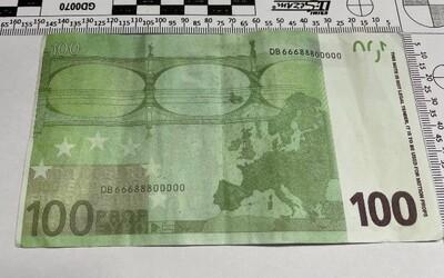 V jižních Čechách někdo platí filmovými penězi. Do oběhu poslal falešná eura.