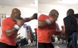 53letý Mike Tyson má stále extrémně rychlé a silné údery. Sleduj jeho nové video z tréninku