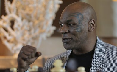 54letý Mike Tyson se opět vrátí do ringu. Stane se tak během večera, během kterého se popere i youtuber Jake Paul