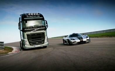 540 koňový truck Volvo FH vyzval 1360-koňový Koenigsegg One:1! Ako závod dopadol?