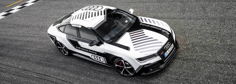 560-koňové Audi RS7 pokorilo známy okruh v rýchlosti až 240 km/h, bez vodiča!