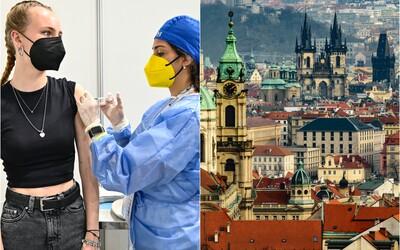 Majú v sebe už štyri dávky vakcíny. Týmto študentom v Česku neuznali očkovanie a museli ho absolvovať znovu.