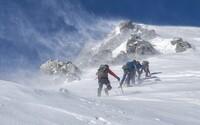 57letý horolezec bez prstů na rukou dokázal vylézt na všech 14 světových osmitisícovek