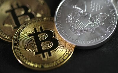 Hodnota Bitcoinu klesla o 11 tisíc dolarů.