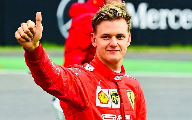 Jméno Schumacher se vrací do Formule 1, syn legendárního závodníka chce jezdit ve stáji Ferrari.