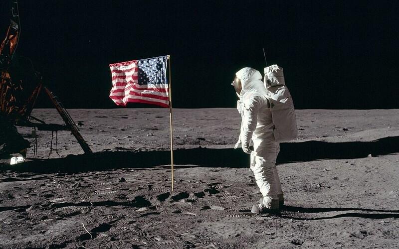 NASA chce v roku 2024 poslať na Mesiac prvú ženu. Misia bude stáť 28 miliárd dolárov.