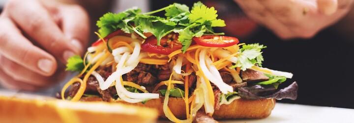 Šťavnaté mäso v poctivej žemli s domácimi hranolkami a bohatou oblohou? V Bratislave ťa víta americké bistro, ktoré prináša o čosi viac