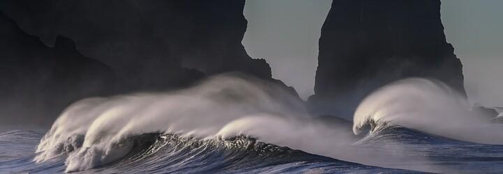 Potápěč objevil v Tichém oceánu potrubí vypouštějící hektolitry krve. Nečekal, že zážitek bude až tak nechutný