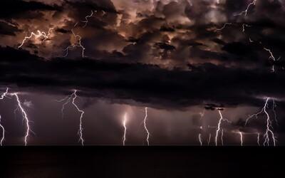 Do Česka míří další silné bouřky s přívalovými dešti.