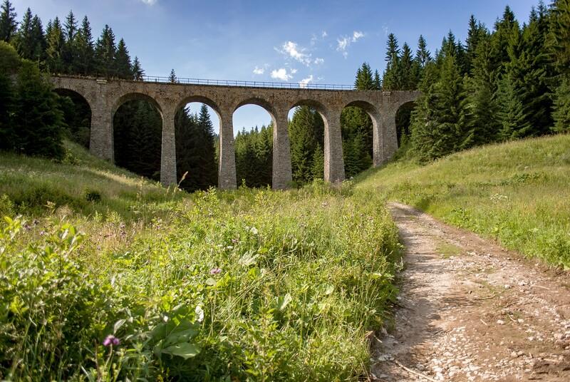 Ako sa volá jedinečný železničný viadukt na železničnej trati Červená Skala – Margecany, známy aj ako Telgártska slučka?