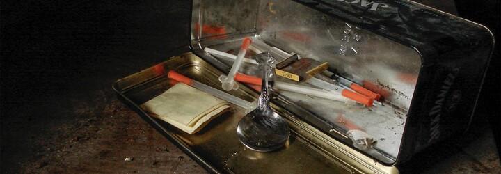 Andělský prach: Jedna z nejnebezpečnějších drog, po níž se lidé svlékají a stávají se extrémně nebezpečnými