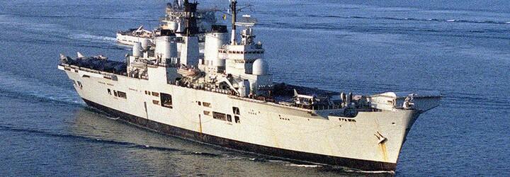 Rusko tvrdí, že vypálilo varovné strely na britskú vojnovú loď pri Kryme. Briti však paľbu popreli