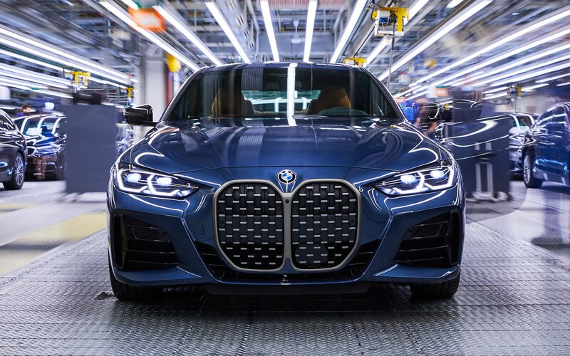 BMW spustilo výrobu nové čtyřky s kontroverzní maskou. Zvykneme si?.