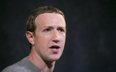 Mark Zuckerberg se chce setkat s velkými firmami, které se rozhodly stáhnout reklamu z Facebooku.