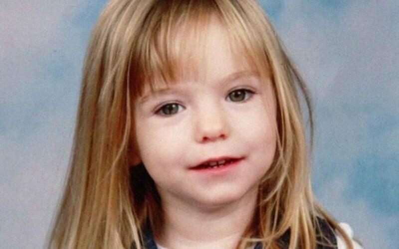 V případě Madeleine McCann, která zmizela před 13 lety, je nový podezřelý. V minulosti ho odsoudili za zneužívání dětí.