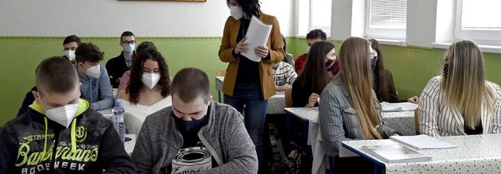 Rodiče si stěžují na přijímací zkoušky na střední školu. Tohle není ani pro maturanty, uvádí