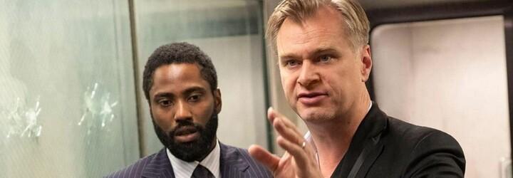 Christopher Nolan po 20 letech končí s Warner Bros. Nový film o atomové bombě natočí pro Universal Studios