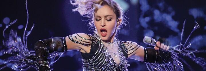 Slávna speváčka Madonna sa dočká vlastného biografického filmu. V snímke Blond Ambition bude bojovať s náhlou slávou aj hudobným priemyslom