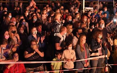 Už v úterý proběhne v Česku první velký koncert až pro 2 500 lidí.