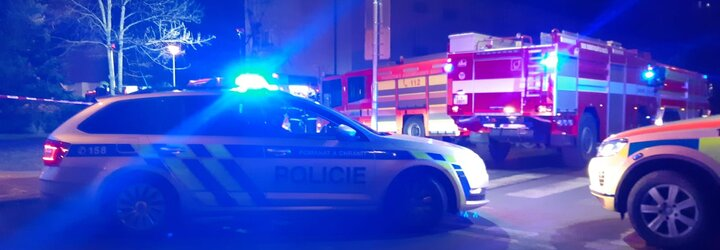 V Ostravě došlo k výbuchu bytu, údajně se jednalo o varnu drog. Z místa prchal muž v trenýrkách