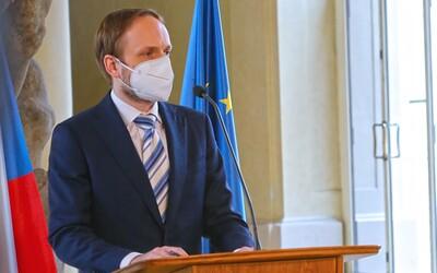 Počet ruských pracovníků na ambasádě bude stejný jako těch českých v Moskvě, vzkázalo Rusko.