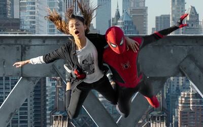Tom Holland a celý štáb natočili film Spider-Man: No Way Home jako rozloučení s pavoučím mužem. Na natáčení plakali.