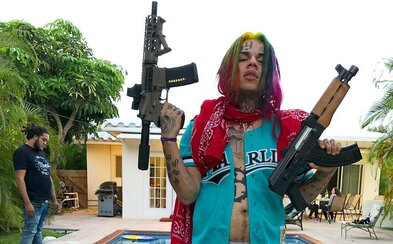 """6ix9ine je jako Joker. Dokumentární film zachycuje, jak se z nevýrazného chlapce stává """"superzločinec"""""""
