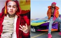 6ix9ine údajne začal nakupovať luxusné autá a šperky. O jeho koncerty je vraj veľký záujem, ponúkajú mu státisíce