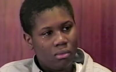 """6letou dívku zvedl do vzduchu a hodil o stůl. 12letý chlapec při """"hře na wrestling"""" zabil svou kamarádku"""