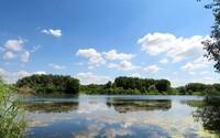 7 miest, kde sa môžeš v lete príjemne schladiť. Jazerá v okolí Bratislavy, ktoré pozná málokto
