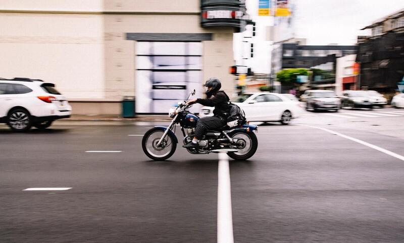 Môže vodič auta (s vodičským oprávnením typu B) riadiť motocykel?