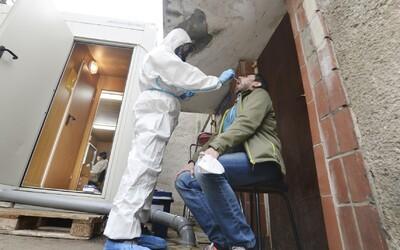 V Polsku má každý druhý testovaný koronavirus. Situace se vymyká kontrole.