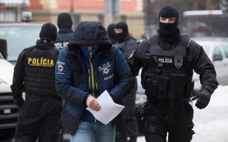"""Bývalý policajný funkcionár Peter: Kvôli krivým policajtom som po 30 rokoch odišiel zo zboru (Rozhovor). """"O tom, že tá korupcia existuje, svedčí aj viacero obvinených policajtov. Osobne poznám niekoľkých. Niektorí boli v minulosti mojimi podriadenými a niektorí boli aj policajnými funkcionármi."""" (FOTO – TASR - Branislav Račko)"""