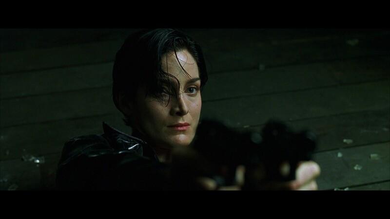 V úvodnej scéne prvej časti Matrixu si po Trinity prídu agenti. Koľko ich bolo?