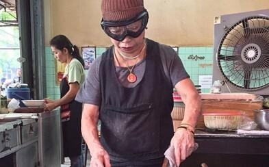 72letá kuchařka získala michelinskou hvězdu, teď ji ale chce vrátit. Způsobuje jí potíže a spousta lidí se k ní chodí jen fotit