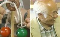 73-ročný deduško nevedel celých 10 rokov vyriešiť hlavolam, tak napísal do japonskej zábavnej šou. Zdanlivo jednoduchá úloha potrápila aj fyzika
